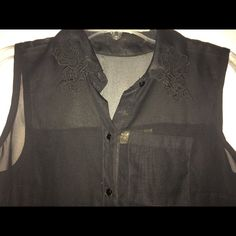 Princess Vera Wang Button-Down worn a couple times. it's super flattering on, and the detailing on the collar is adorable. the back is cotton material, adding a nice contrast. it's black but it was so hard to take a picture of it 😂 Vera Wang Tops Button Down Shirts