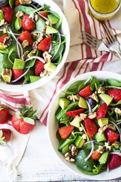 Best Recipes for Fresh Strawberries - Strawberry, Avocado, and Walnut Salad Fresh Strawberry Recipes, Spinach Strawberry Salad, Vegan Recipes, Cooking Recipes, Salad Recipes, Healthy Weeknight Dinners, Walnut Salad, Burger And Fries, Everyday Food