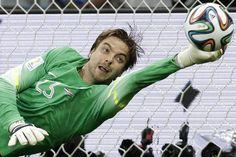 Tim Krul - WK 2014 stopt 2 strafschoppen. Maar ook hij is niet de enige held. Als Jasper die laatste tegenaanval niet zo geweldig goed had tegengehouden......