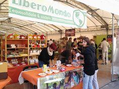 #Altrocioccolato 2013 - Il banco assaggi presso lo stand di LiberoMondo gestito grazie alla preziosa collaborazione delle botteghe Il colibrì di Umbertide e Piano Terra di Orvieto