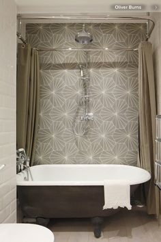 That tile + clawfoot tub combo