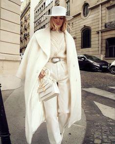 Russian Beauty lenaperminova at Milan Fashion Week wearing albertaferretti Casual Winter Outfits, Winter Fashion Outfits, Autumn Winter Fashion, Fall Fashion Colors, Autumn Style, Casual Attire, Fashion Weeks, Casual Wear, Fall Outfits