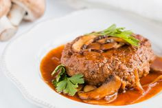 Keto Salisbury Steak with Mushroom Gravy Recipe - Net Carbs - KetoFocus Salisbury Steak With Mushroom Gravy Recipe, 30 Min Meals, Tomato Pie, Hamburger Meat Recipes, How To Cook Steak, Keto Recipes, Stuffed Mushrooms, 1 Pound, Ground Beef