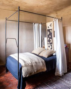 Marston House's Winter Home in Provence — The Maryn Quirky Home Decor, Cheap Home Decor, Mediterranean Bedroom, Mediterranean Style, Living Room Decor, Bedroom Decor, Bedroom Apartment, Bedroom Ideas, Master Bedroom