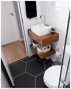 57 Trendy Bathroom Layout No Toilet Tiny House Bathroom, Bathroom Design Small, Bathroom Layout, Bathroom Interior Design, Modern Bathroom, Bathroom Ideas, Bathroom Pink, Tiny Bathrooms, Shower Ideas