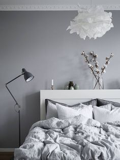 Home Interior Decoration 40 Grey and White Bedroom Ideas.Home Interior Decoration 40 Grey and White Bedroom Ideas Scandinavian Apartment, Scandinavian Bedroom, Scandinavian Style, Scandi Style, Home Bedroom, Bedroom Decor, Bedroom Ideas, Bedroom Interiors, Grey Interiors