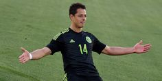 TRANSFER NEWS COLUMN: Wolfsburg are showing an interest in Manchester United misfit Javier Hernandez. Stoke City and West Ham are also interested in signing him in the summer. Di Maria Manchester United, Premier League, Ecuador, Football Images, Stoke City, Transfer News, Start The Day, Tottenham Hotspur, Instagram Shop