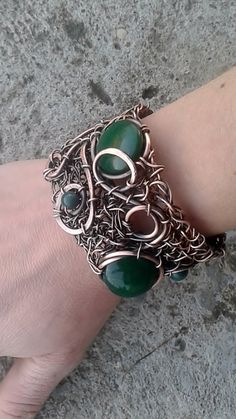 Handmade Wire Wrapped Bracelet With Natural Green от Tangledworld