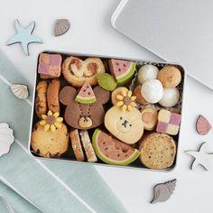 Japanese Cookies, Japanese Snacks, Dessert Packaging, Cookie Packaging, Kawaii Cookies, Cute Cookies, Cute Desserts, Homemade Desserts, Biscuits Packaging