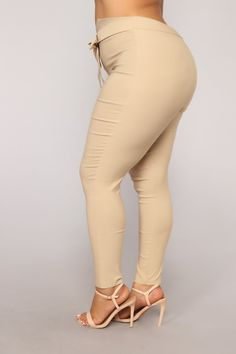 Knot Your Girl Pants - Khaki – Fashion Nova Red Pants Fashion, Fashion Outfits, Girly Outfits, Stylish Outfits, Nice Outfits, Botas Sexy, Swimsuits For Curves, Curves Clothing, Girls Pants