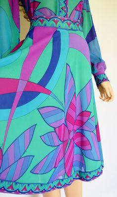 Vintage 1970's EMILIO PUCCI Op Art PsYcHeDeLiC MoD Silk Outfit Skirt & Blouse Dress 12 M by RETROLANDVINTAGE on Etsy https://www.etsy.com/listing/191650143/vintage-1970s-emilio-pucci-op-art