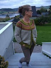 Ravelry: Damejakka Loppa / Flea – a lady's cardigan pattern by Pinneguri Fair Isle Knitting, Hand Knitting, Knitting Patterns, Fair Isles, Cardigan Pattern, Fleas, Pullover Sweaters, Ravelry, Knit Crochet