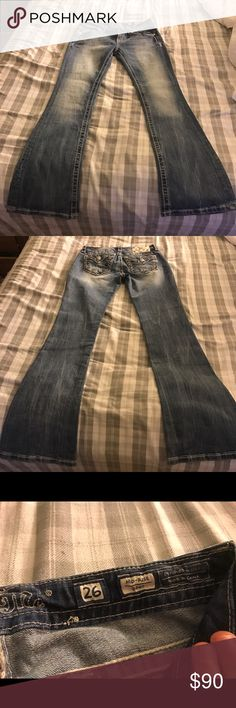 Miss me jeans NWOT Style: Mid-rise boot Size: 26 Miss Me Jeans Boot Cut