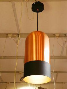 ART ET FLORITUDE Suspension cylindrique en métal  pastilles en