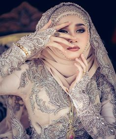 A Wedding For Everyone! Muslim Couples, Muslim Women, Hijab Gown, My Beauty, Wedding Planning, Wedding Day, Gowns, Weddings, Bride