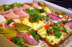 chlebíčky v cukrárně Moje Cukrářství Bruschetta, Ethnic Recipes, Food, Essen, Meals, Yemek, Eten
