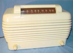 """I have this! Stromberg Carlson 1101-HI """"Dynatomic"""" Ivory Painted Bakelite Radio (1946)"""