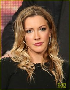 Katie Cassidy // #Arrow & #TheFlash panels // The CW 2015 Winter Television Critics Association tour