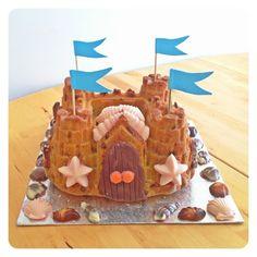 sandcastle cake Novelty Birthday Cakes, Birthday Cake Girls, Birthday Ideas, 3rd Birthday, Birthday Gifts, Birthday Parties, Sand Castle Cakes, Lightning Mcqueen Birthday Cake, Batman Cakes