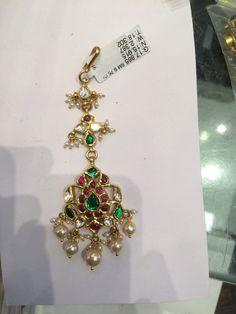 Tika hair accessories Tikka Jewelry, Headpiece Jewelry, Indian Jewelry, Hair Jewelry, Gold Jewelry, Jewelery, Trendy Jewelry, Fashion Jewelry, Gold Jhumka Earrings