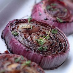Roasted red onions - from Lakeland Side Dish Recipes, Meat Recipes, Slow Cooker Recipes, Cooking Recipes, Free Recipes, Side Dishes, Red Onion Recipes, Candida Diet Recipes