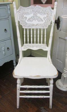 White Ole Style Kitchen Chair