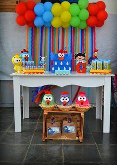Pig Birthday Cakes, Elmo Birthday, 2nd Birthday Parties, Birthday Party Decorations, Ideas Para Fiestas, Baby Party, Party Time, First Birthdays, Balloons