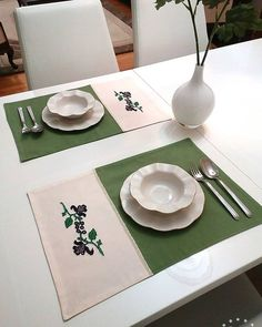 Fabric Placemats, Table Runner And Placemats, Table Runners, Modern Embroidery, Cross Stitch Embroidery, Wedding Collage, Diy Buttons, Deco Table, Home Decor Fabric
