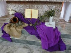 Altar Flowers, Church Flowers, Lent Decorations For Church, Table Decorations, Alter Decor, Altar Design, Church Stage Design, Holidays And Events, Worship