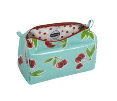 This bag is perfect for the girl on the go, generously sized to hold everything you need on your travels. Large enough to fit full bottles of shampoo! Stationary Supplies, Coordinating Colors, Travel Bags, Travel Ideas, Freckles, Oilcloth, Travel Pictures, Coin Purse, Lunch Box