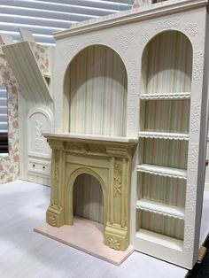 My Miniature Madness: Storybook Cottage Dollhouse Dollhouse Miniature Tutorials, Miniature Houses, Dollhouse Miniatures, Dollhouse Ideas, Doll House Plans, Built In Cupboards, Storybook Cottage, Dollhouse Furniture, Dollhouse Interiors