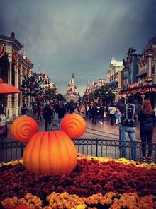 disney dream pillows disneyland hotel | at # disney # paris halloween at # disney # paris photo by amna a ...