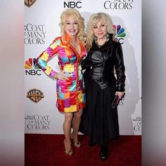 Dolly Parton and her sister watching Coats of Many Colors