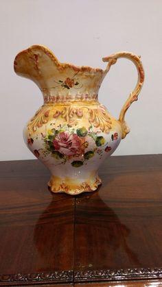 Jarra antigua, porcelana china. Av. Santa Rosa 2173, Castelar, Buenos Aires. Contacto: 2077-3494 WhatsApp: 1130715691