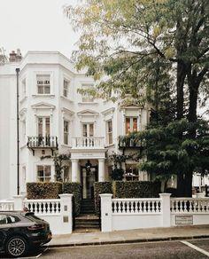 Ini tentang arti dari menemukan di antara banyak kemungkinan.   Tenta… #romance #Romance #amreading #books #wattpad London Townhouse, London Apartment, London House, Dream Apartment, London Life, Dream Home Design, My Dream Home, Townhouse Exterior, Cute House