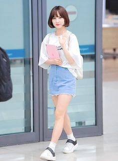 Korean Girl Fashion, Kpop Fashion, Womens Fashion, Airport Fashion, Girl Outfits, Casual Outfits, Fashion Outfits, J Pop, Korean Model