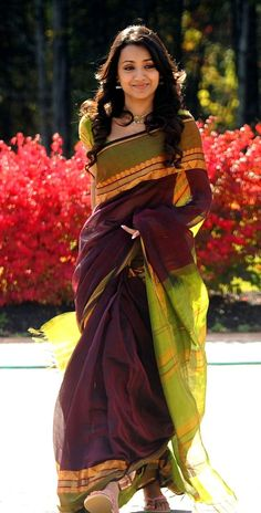 South Actress Trisha wearing a Handloom Saree