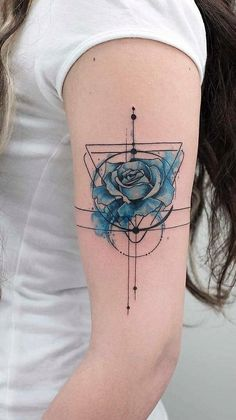 33 Rose Tattoos And Their Origin, Symbolism, And Meanings Blaue Rose Tattoo Design mit geometrischen Arm Tattoo, Piercing Tattoo, Body Art Tattoos, New Tattoos, Tattoos For Guys, Tattoos For Women, Piercings, Tattoo Art, Tattoo Abstract
