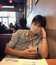 Korean Boys Hot, Korean Boys Ulzzang, Korean Couple, Ulzzang Couple, Ulzzang Boy, Korean Men, Cute Asian Guys, Asian Boys, Asian Men