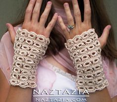 Crochet Broomstick Lace Gloves. spiegazioni in http://www.youtube.com/watch?v=QzzlVMwewnY