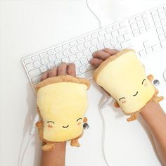 Toast USB Wired Handwarmers Pre-order