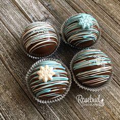 Hot Chocolate Gifts, Christmas Hot Chocolate, Frozen Hot Chocolate, Chocolate Spoons, Chocolate Favors, Mexican Hot Chocolate, Chocolate Bomb, Hot Chocolate Bars, Hot Chocolate Recipes