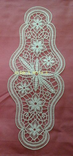 Musca, Rugs, Home Decor, Romanian Lace, Pretty, Tejidos, Embroidery, Farmhouse Rugs, Decoration Home