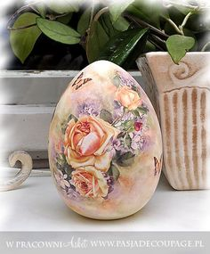Photo: This Photo was uploaded by Find other Decoupage Glass, Decoupage Art, Egg Crafts, Easter Crafts, Incredible Eggs, Egg Shell Art, Carved Eggs, Egg Designs, Faberge Eggs