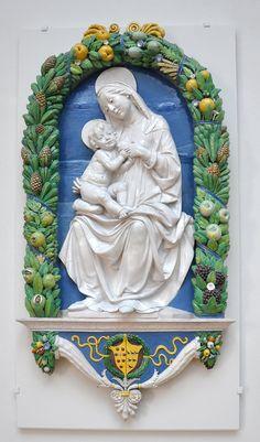Andrea della Robbia  - Vergine con il Bambino -  1487-1488 -  Victoria and Albert Museum di Londra,