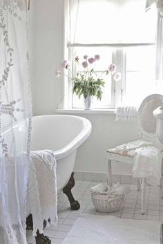 French Cottage Bathroom Inspiration round-up. A great way to get your creative juices flowing before you dive into your own space makeover! Blanc Shabby Chic, Shabby Chic Mode, Shabby Chic Interiors, Shabby Chic Kitchen, Shabby Chic Style, Shabby Chic Furniture, Shabby Chic Decor, Modern Furniture, Black Interiors