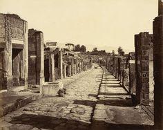 v. 1856-1881 - Pompéi. Strada dell'Abbondanza | Photographe : Giacomo Brogi