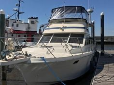 Chris Craft 42 motor yacht for sale