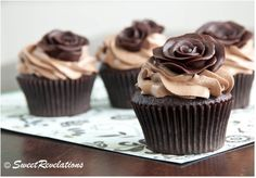 Learn how to take you decorating to the very next level by making gorgeous Chocolate Roses. They are perfect for cupcakes and cakes and we show you how to make a bouquet with strawberry centres. Check out the videos and all the inspiration now.