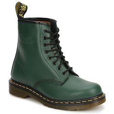 Ce modèle fait partie des grands indémodables. En plus de leur inconditionnel style, ces chaussures apportent le confort et le maintient légendaire de la marque. Dr Martens fait de ces boots des articles à l'épreuve du temps! Modèle non coqué. - Couleur : Vert - Chaussures 149,00 €